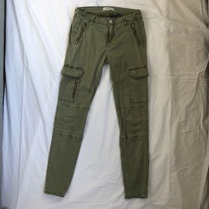 Skinny Zara Pants with Cargo Pockets and Zippers